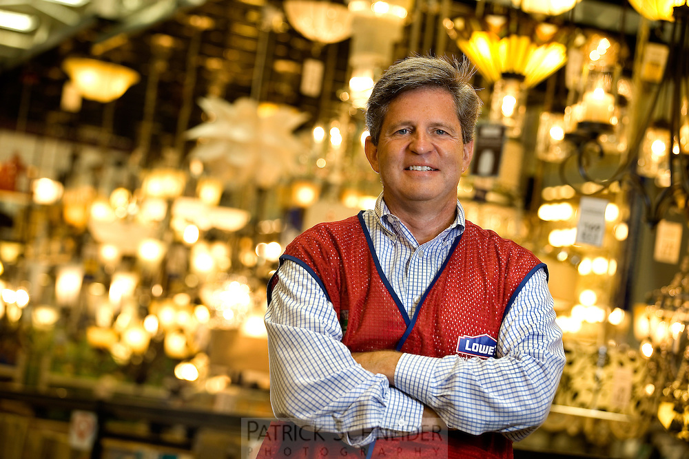 Kelly C. Ross - Senior Vice President, Financial Planning and Analysis of Lowe's Companies Inc. <br /> <br /> Charlotte Photographer - PatrickSchneiderPhoto.com