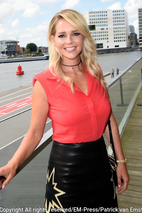 RTL sterren aanwezig tijdens de perspresentatie van het nieuwe televisieseizoen van RTL in EYE Amsterdam.<br /> <br /> Op de foto:  Chantal Janzen