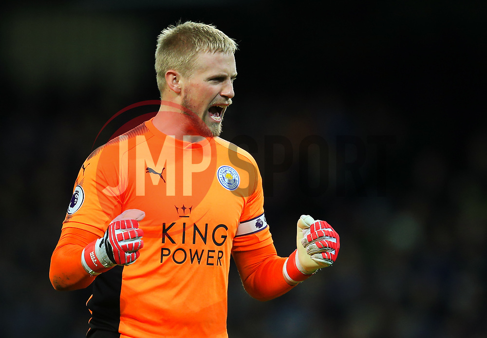 Kasper Schmeichel of Leicester City celebrates after the equalising goal - Mandatory by-line: Matt McNulty/JMP - 10/02/2018 - FOOTBALL - Etihad Stadium - Manchester, England - Manchester City v Leicester City - Premier League
