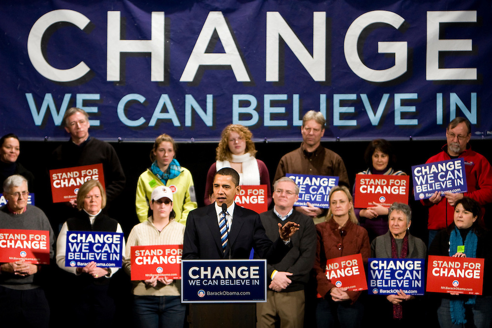 Sen. Barack Obama (D-IL) holds a campaign rally in Manchester, N.H., on Sunday, Jan. 6, 2008.