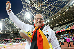 22.07.2017, Olympia Stadion, London, GBR, Leichtathletik WM der Behinderten, im Bild Bronze im Kugelstossen fuer Frank Tinnemeier (GER, TSV Hillentrup) // during the World Para Athletics Championships at the Olympia Stadion in London, Great Britain on 2017/07/22. EXPA Pictures © 2017, PhotoCredit: EXPA/ Eibner-Pressefoto/ Eibner-Pressefoto<br /> <br /> *****ATTENTION - OUT of GER*****