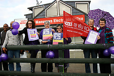 Auckland-Teachers protest in Manurewa on higher management pay