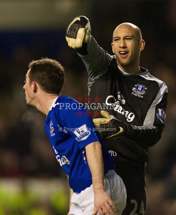 LIVERPOOL, ENGLAND - Saturday, March 22, 2008: Everton's goalkeeper Tim Howard during the Premiership against West Ham United match at Goodison Park. (Photo by David Rawcliffe/Propaganda)