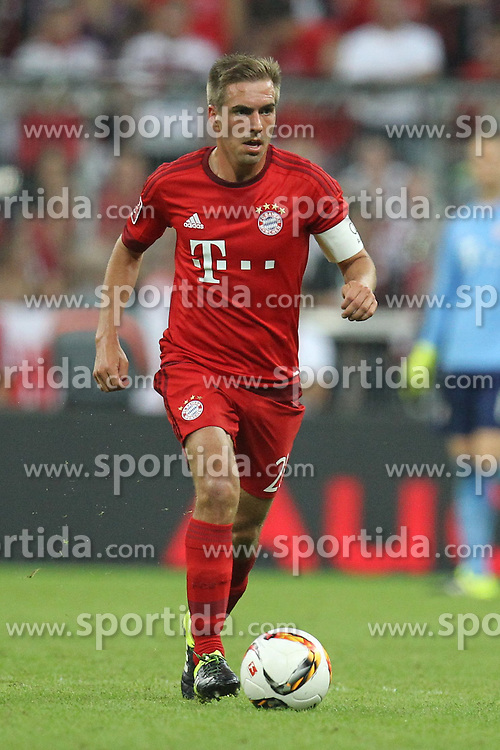 05.08.2015, Allianz Arena, Muenchen, GER, AUDI CUP, FC Bayern Muenchen vs Real Madrid, im Bild Philipp Lahm #21 (FC Bayern Muenchen) // during the 2015 Audi Cup Match between FC Bayern Munich and Real Madrid at the Allianz Arena in Muenchen, Germany on 2015/08/05. EXPA Pictures © 2015, PhotoCredit: EXPA/ Eibner-Pressefoto/ Kolbert<br /> <br /> *****ATTENTION - OUT of GER*****