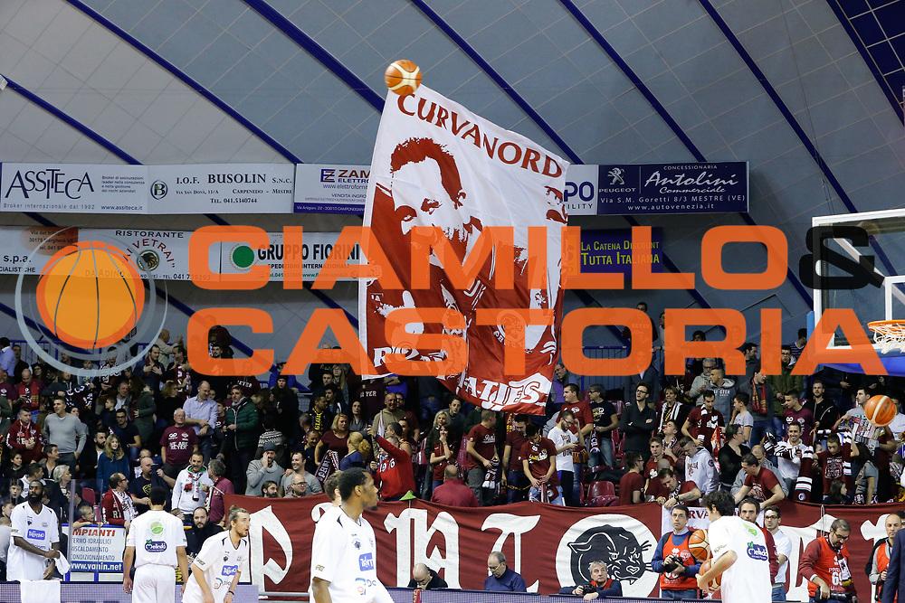 DESCRIZIONE : Venezia Lega A 2015-16 Umana Reyer Venezia Dolomiti Energia Trentino<br /> GIOCATORE : Tifosi Umana Reyer Venezia<br /> CATEGORIA : Tifosi<br /> SQUADRA : Umana Reyer Venezia Dolomiti Energia Trentino<br /> EVENTO : Campionato Lega A 2015-2016<br /> GARA : Umana Reyer Venezia Dolomiti Energia Trentino<br /> DATA : 28/12/2015<br /> SPORT : Pallacanestro <br /> AUTORE : Agenzia Ciamillo-Castoria/G. Contessa<br /> Galleria : Lega Basket A 2015-2016 <br /> Fotonotizia : Venezia Lega A 2015-16 Umana Reyer Venezia Dolomiti Energia Trentino
