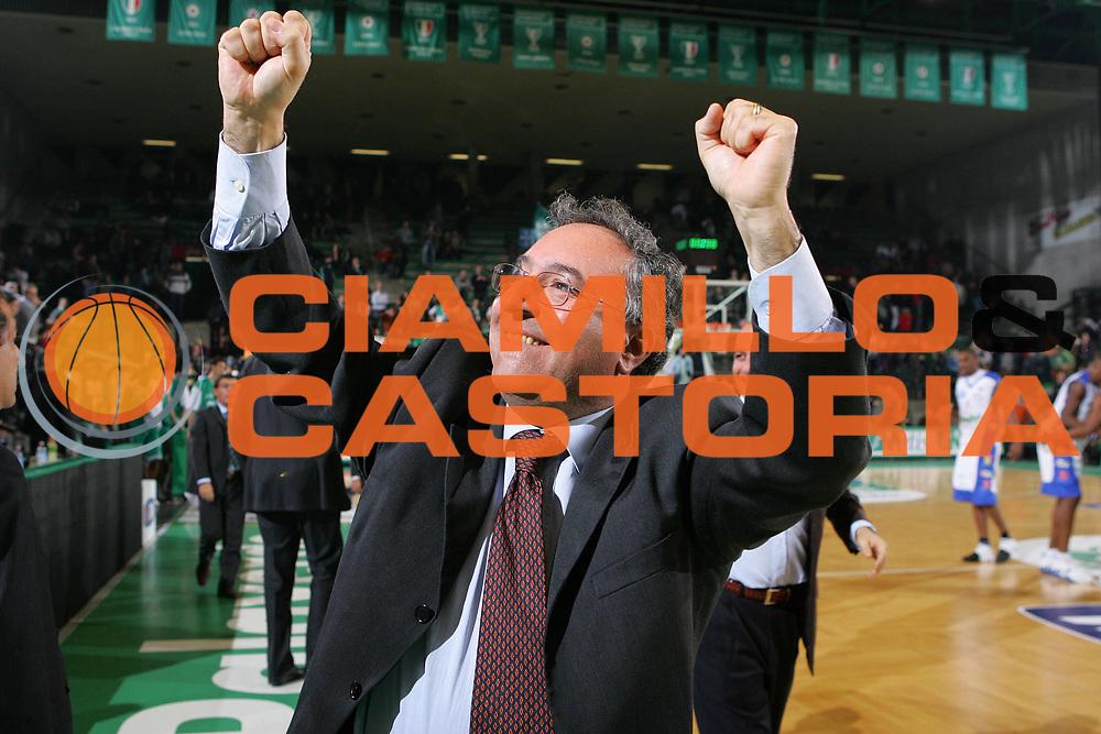 DESCRIZIONE : Treviso Lega A1 2006-07 Benetton Treviso Upea Capo Orlando <br /> GIOCATORE : <br /> SQUADRA : Upea Capo Orlando <br /> EVENTO : Campionato Lega A1 2006-2007 <br /> GARA : Benetton Treviso Upea Capo Orlando <br /> DATA : 16/12/2006 <br /> CATEGORIA : Esultanza <br /> SPORT : Pallacanestro <br /> AUTORE : Agenzia Ciamillo-Castoria/S.Silvestri