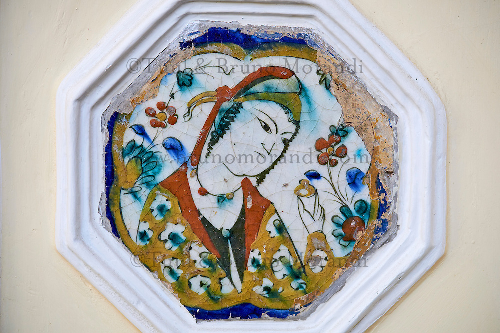 Iran, Teheran, Musée Moghadam, faiences décoratives  // Iran, Tehran, Moghadam museum, tile decoration in the traditionnal house
