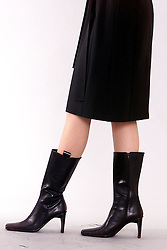 Creme Fashion.Black Leather Boots, October 11, 2000..Photo by Andrew Parsons/i-Images..