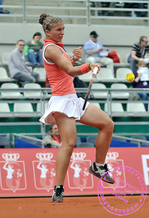 SARA ERRANI (ITALY) PLAYS TENNIS DURING INTERNATIONAL WOMEN TENNIS TOURNAMENT WTA POLSAT WARSAW OPEN AT LEGIA'S COURTS IN WARSAW, POLAND...WARSAW , POLAND , MAY 20, 2010..( PHOTO BY ADAM NURKIEWICZ / MEDIASPORT )..PICTURE ALSO AVAIBLE IN RAW OR TIFF FORMAT ON SPECIAL REQUEST.