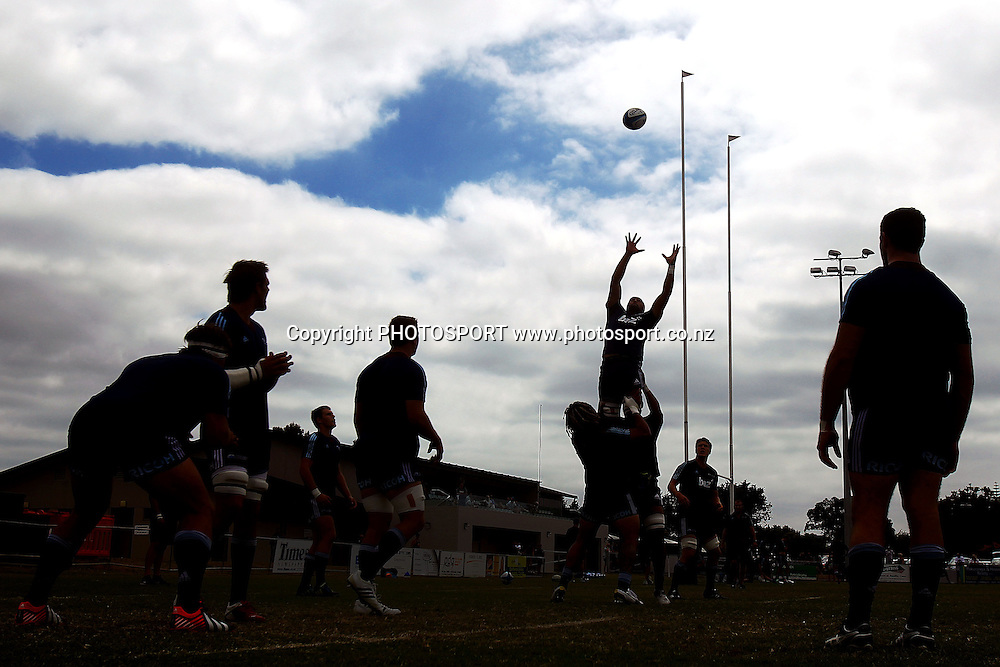 Blues' Joe Edwards runs a lineout drill with the team. Blues Development v Crusaders Knights, Bell Park, Auckland, New Zealand. Saturday 2nd March 2013. Photo: Anthony Au-Yeung / photosport.co.nz