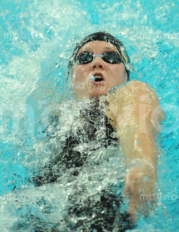 Olympia 2008  Peking  11.08.2008  Schwimmen Vorlaeufe Frauen 200M Freistil Katharina SCHILLER (GER) beim Rueckenschwimmen.