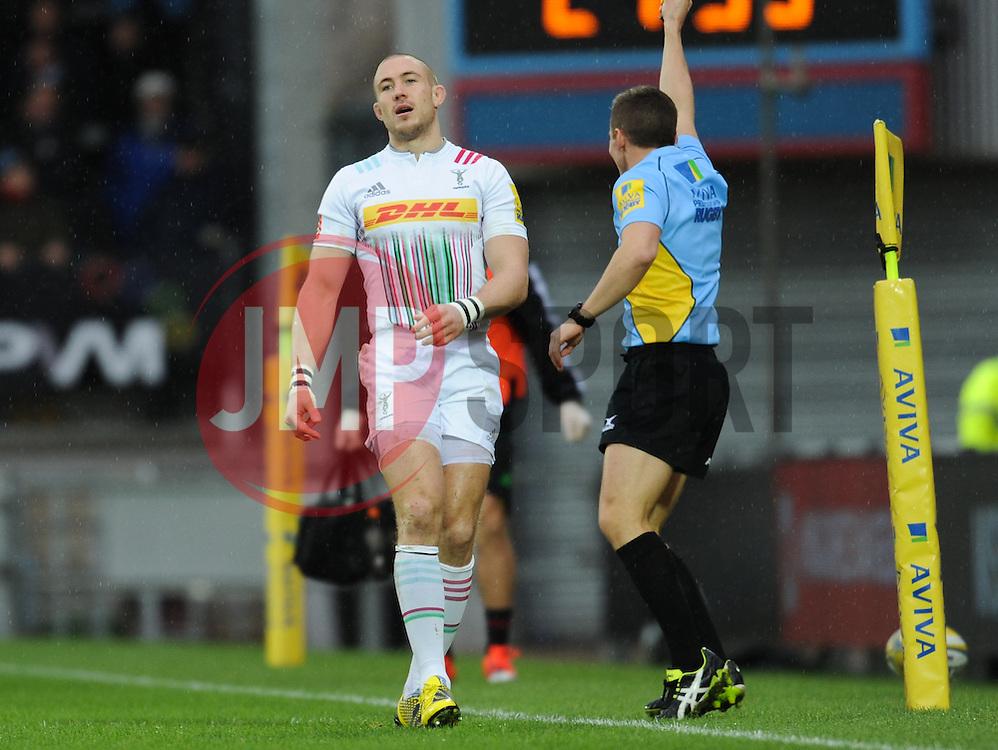 Harlequins' Mike Brown reacts after missing the ball.  - Mandatory byline: Alex Davidson/JMP - 28/11/2015 - RUGBY - Sandy Park - Exeter, England - Exeter Chiefs v Harlequins - Aviva Premiership