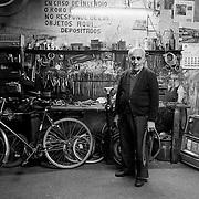 Cal Cardona, taller reparació bicicletes. Sant Cugat del Vallés.Barcelona.