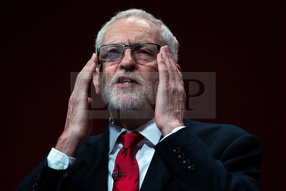 © Licensed to London News Pictures . 24/09/2019. Brighton, UK. JEREMY CORBYN delivers the leader's speech a day early , on the fourth day of the 2019 Labour Party Conference from the Brighton Centre , after the Supreme Court ruled that Boris Johnson's suspension of Parliament was unlawful . Photo credit: Joel Goodman/LNP