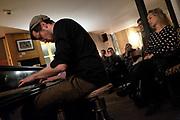 JAZZ A TABLE - STUBETE stubete.ch at  CAFE RESTAURANT DU BELVEDERE, Fribourg, 29 october 2017 mit dem Stefan Aeby Trio. S. Aeby (p), André Pousaz (cb), Michi Stulz (dr). photo © romano p. riedo | fotopunkt.ch