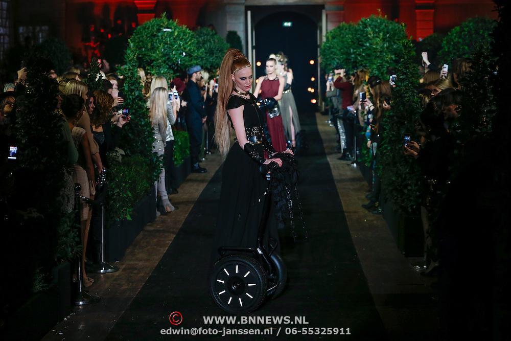 NLD/Amsterdam/20130126 - Modeshow Supertrash 2013,