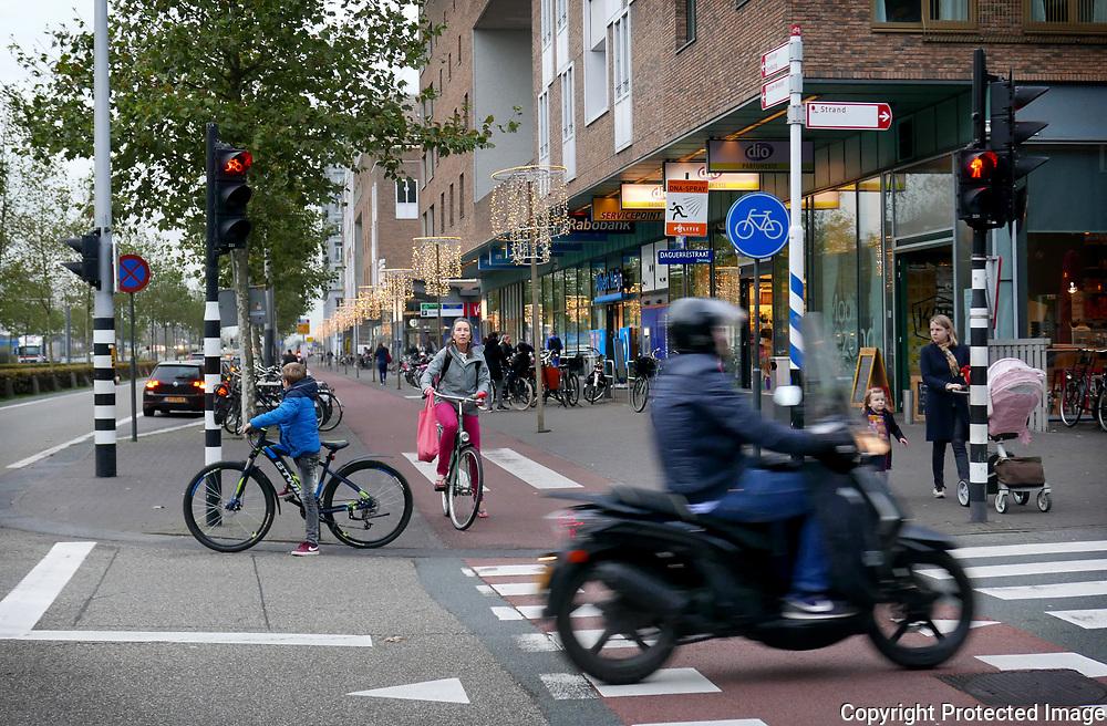 November 1, 2017 - 16:56<br /> The Netherlands, Amsterdam - IJburglaan