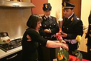 Torino, controlli ed interventi notturni della Polizia di Stato  a casa di una signora malmenata dal convivente
