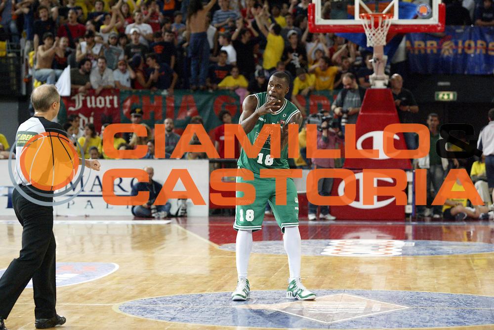 DESCRIZIONE : Roma Lega A1 2005-06 Play Off Semifinale Gara 2 Lottomatica Virtus Roma Benetton Treviso <br />GIOCATORE : Goree<br />SQUADRA : Benetton Treviso<br />EVENTO : Campionato Lega A1 2005-2006 Play Off Semifinale Gara 2 <br />GARA : Lottomatica Virtus Roma Benetton Treviso <br />DATA : 03/06/2006 <br />CATEGORIA : Delusione<br />SPORT : Pallacanestro <br />AUTORE : Agenzia Ciamillo-Castoria/E.Pozzo