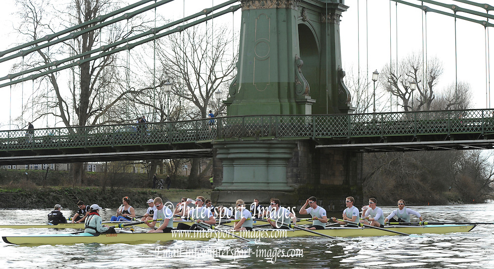 Putney, GREAT BRITAIN,  Cambridge on the Middlx station relax at Hammersmith Bridge before the second training piece, 2010  Varsity/ Boat Race, Cambridge University vs Molesey BC, raced over the championship course. Putney to Mortlake, Sunday  21/03/2010. [Mandatory Credit, Peter Spurrier/Intersport-images]..CUBC. Crew, Bow Rob WEITMEYER, Geoff ROTH, Derek RASMUSSEN, Peter McCLLELLAND, Deaglan McEACHERN, Henry PELLY, George NASH, Fred GILL and Cox Red RANDOLPH.