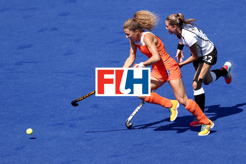 RIO DE JANEIRO, BRAZIL - AUGUST 13:  Maria Verschoor of the Netherlands in action in the Women's Pool A match between Germany and the Netherlands on Day 8 of the Rio 2016 Olympic Games at the Olympic Hockey Centre on August 13, 2016 in Rio de Janeiro, Brazil.  (Photo by Phil Walter/Getty Images)