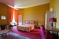 08090 FAGNON - Hotelkamer.  Landgoed met kasteel, Golfbaan Abbaye des Septfontaines, in de Franse Ardennen. COPYRIGHT KOEN SUYK