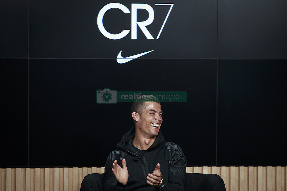 November 9, 2016 - Na - Oeiras, 09/11/2016 - took place this afternoon an event with the presence of Cristiano Ronaldo, Ricardo Quaresma, Rio Ferdinand, Fernando Santos, Aurélio Pereira and Miguel Passion in the City of Football in Oeiras. Cristiano Ronaldo  (Credit Image: © Atlantico Press via ZUMA Wire)