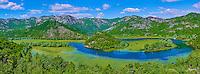 Monténégro, côte Adriatique, région centrale, Lac Skadar, parc national de Skadarsko Jezero, Rijeka Crnojevica, les méandres de la rivière Crnojevica //  Montenegro, Lake Skadar National Park, View of the river bend of the Rijeka Crnojevica river
