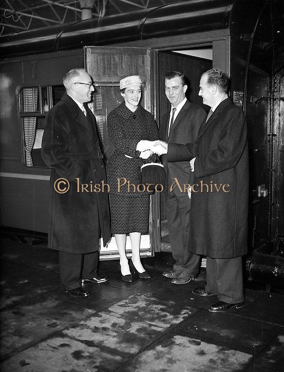 17/11/1959<br /> 11/17/1959<br /> 17 November 1959<br /> Group at Kingsbridge Station (Hueston Station), Dublin for C.I.E..
