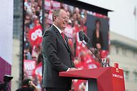 17 AUG 2013, BERLIN/GERMANY:<br /> Peer Steinbrueck, SPD Kanzlerkandidat, haelt eine Rede, Deutschlandfest anl. des 150. Jubilaeums der Parteigruendung der SPD, Strasse des 17. Juni, vor dem Brandenburger Tor<br /> IMAGE: 20130817-01-023<br /> KEYWORDS: Peer Steinbrück, 150 Jahre, Geburtstag