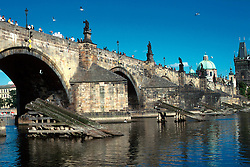 CZECH REPUBLIC BOHEMIA PRAGUE JUL97 - General view on Charles Bridge from the Small Side.. . jre/Photo by Jiri Rezac. . © Jiri Rezac 1997. . Tel:   +44 (0) 7050 110 417. Email: jiri@jirirezac.com. Web:   www.jirirezac.com