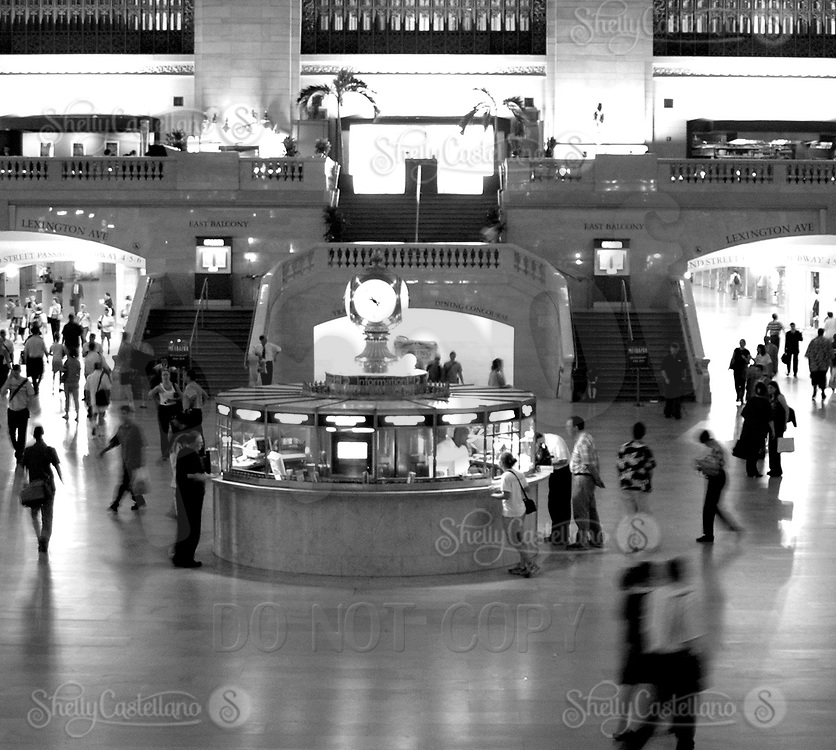 Aug 16, 2002; New York, NY, USA; People moving through grand central station.  New York subway and train stations main station. Mandatory Credit: Photo by Shelly Castellano/ZUMA Press. (©) Copyright 2002 by Shelly Castellano