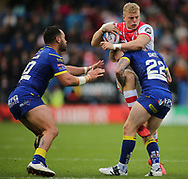 Morgan Smith of Warrington Wolves tackles Jack Ashworth of St Helens during the Betfred Super League Super 8s match at the Halliwell Jones Stadium, Warrington<br /> Picture by Stephen Gaunt/Focus Images Ltd +447904 833202<br /> 22/09/2018