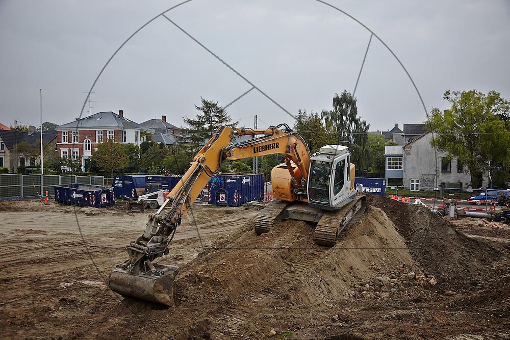 Diakonissestiftelsen Frederiksberg, nedrivning af huse før opbygning af nyt hospice, gravemaskine, gravko,