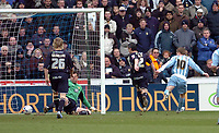 Photo: Leigh Quinnell.<br /> Coventry City v Leeds United. Coca Cola Championship. 18/03/2006. Gary McSheffrey fires in a goal for Coventry.