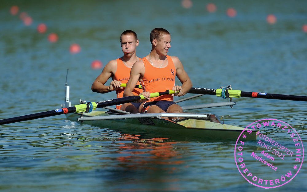 (L) VINCENT MUDA & (R) TYCHO MUDA (BOTH NETHERLANDS) BEFORE THE RACE MEN'S LIGHTWEIGHT PAIRS REPECHAGE DURING DAY 2 FISA ROWING WORLD CUP ON ESTANY LAKE IN BANYOLES, SPAIN...BANYOLES , SPAIN , MAY 30, 2009..( PHOTO BY ADAM NURKIEWICZ / MEDIASPORT )..PICTURE ALSO AVAIBLE IN RAW OR TIFF FORMAT ON SPECIAL REQUEST.