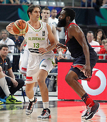 09.09.2014, City Arena, Barcelona, ESP, FIBA WM, Slowenien vs USA, im Bild Slovenia's Domen Lorbek (l) and USA's James Harden // during FIBA Basketball World Cup Spain 2014 match between Slovenia and USA at the City Arena in Barcelona, Spain on 2014/09/09. EXPA Pictures © 2014, PhotoCredit: EXPA/ Alterphotos/ Acero<br /> <br /> *****ATTENTION - OUT of ESP, SUI*****