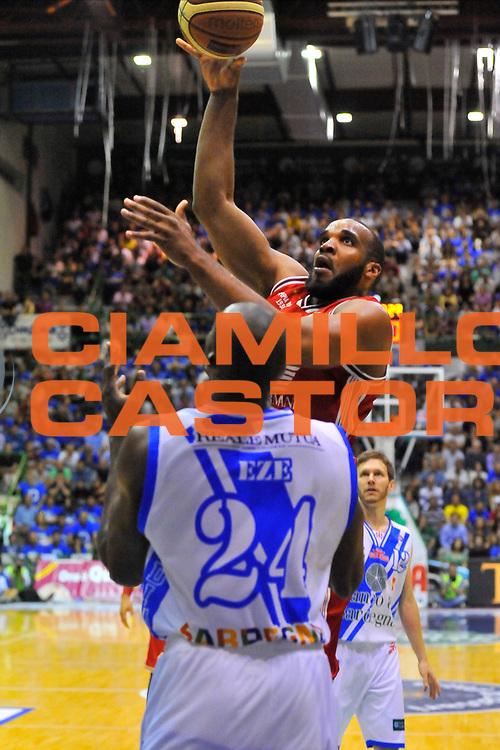 DESCRIZIONE : Campionato 2013/14 Semifinale GARA4  Dinamo Banco di Sardegna Sassari - Olimpia EA7 Emporio Armani Milano<br /> GIOCATORE : Samardo Samuels<br /> CATEGORIA : Tiro Penetrazione<br /> SQUADRA : Olimpia EA7 Emporio Armani Milano<br /> EVENTO : LegaBasket Serie A Beko Playoff 2013/2014<br /> GARA : Dinamo Banco di Sardegna Sassari - Olimpia EA7 Emporio Armani Milano<br /> DATA : 05/06/2014<br /> SPORT : Pallacanestro <br /> AUTORE : Agenzia Ciamillo-Castoria / Luigi Canu<br /> Galleria : LegaBasket Serie A Beko Playoff 2013/2014<br /> Fotonotizia : DESCRIZIONE : Campionato 2013/14 Semifinale GARA4 Dinamo Banco di Sardegna Sassari - Olimpia EA7 Emporio Armani Milano<br /> Predefinita :