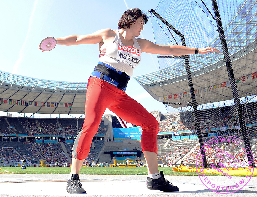 JOANNA WISNIEWSKA (POLAND) COMPETES IN THE DISCUS WOMEN QUALIFICATION ON THE OLYMPIC STADION ( OLIMPIASTADION ) DURING 12TH IAAF WORLD CHAMPIONSHIPS IN ATHLETICS BERLIN 2009..BERLIN , GERMANY , AUGUST 19, 2009..( PHOTO BY ADAM NURKIEWICZ / MEDIASPORT )..PICTURE ALSO AVAIBLE IN RAW OR TIFF FORMAT ON SPECIAL REQUEST.