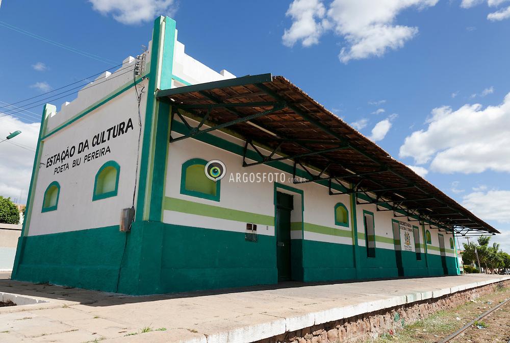 Estacao da Cultura Poeta Biu Pereira, em Missao Velha, CE, nas antiga estacao ferroviaria. / Cultural Station Poet Biu Pereira, Old Mission, CE, in the old railway station.