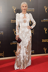 Julianne Hough bei der Ankunft zur Verleihung der Creative Arts Emmy Awards in Los Angeles / 110916 <br /> <br /> *** Arrivals at the Creative Arts Emmy Awards in Los Angeles, September 11, 2016 ***