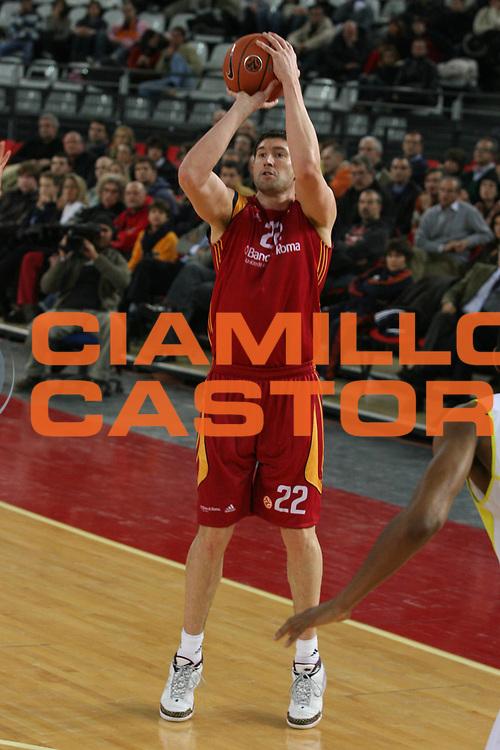 DESCRIZIONE : Roma Eurolega 2007-08 Lottomatica Virtus Roma Fenerbahce Ulker Istanbul <br /> GIOCATORE : Roberto Gabini <br /> SQUADRA : Lottomatica Virtus Roma <br /> EVENTO : Eurolega 2007-2008 <br /> GARA : Lottomatica Virtus Roma Fenerbahce Ulker Istanbul <br /> DATA : 03/01/2008 <br /> CATEGORIA : Tiro <br /> SPORT : Pallacanestro <br /> AUTORE : Agenzia Ciamillo-Castoria/G.Ciamillo