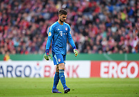 Fussball DFB Pokal Viertelfinale 2018/2019 FC Bayern Muenchen - 1. FC Heidenheim    03.04.2019 Torwart Sven Ulreich (FC Bayern Muenchen) enttaeuscht ----DFL regulations prohibit any use of photographs as image sequences and/or quasi-video.----