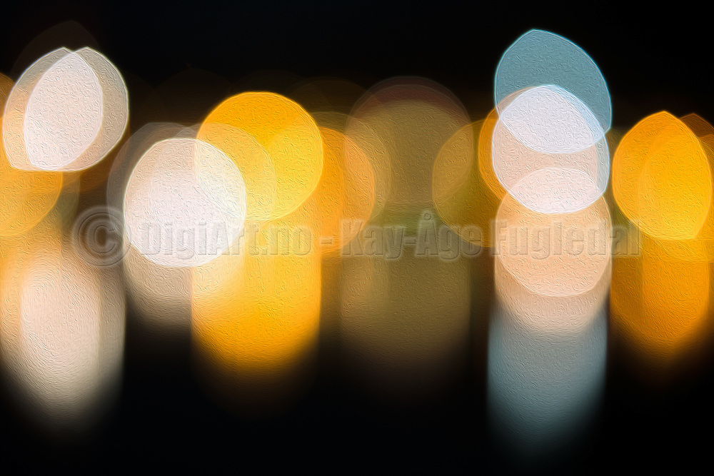 Creative light photography. I found the light, but lost the focus. Bokeh has been defined as the way the lens renders out-of-focus points of light | Kreativ lys fotografering. Jeg fant lyset, men mistet fokus. Bokeh har blitt definert som hvordan et objektiv gjengir uskarpe lyspunkt.