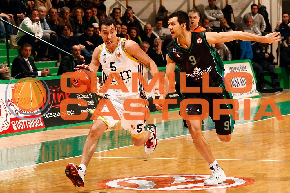 DESCRIZIONE : Siena Eurolega 2009-10 Top 16 Montepaschi Siena Real Madrid<br /> GIOCATORE : Pablo Prigioni<br /> SQUADRA : Real Madrid<br /> EVENTO : Eurolega 2009-2010<br /> GARA : Montepaschi Siena Real Madrid<br /> DATA : 11/02/2010 <br /> CATEGORIA : palleggio<br /> SPORT : Pallacanestro <br /> AUTORE : Agenzia Ciamillo-Castoria/P.Lazzeroni<br /> Galleria : Eurolega 2009-2010 <br /> Fotonotizia : Siena Eurolega 2009-10 Top 16 Montepaschi Siena Real Madrid<br /> Predefinita :