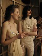 elizabeth Jagger and  Erin O'Connor. Lancome Colour Design Awards, the Old Saatchi Gallery. 20 November 2002. © Copyright Photograph by Dafydd Jones 66 Stockwell Park Rd. London SW9 0DA Tel 020 7733 0108 www.dafjones.com