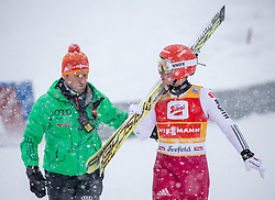 31.01.2016, Casino Arena, Seefeld, AUT, FIS Weltcup Nordische Kombination, Seefeld Triple, Skisprung, Wertungssprung, im Bild Eric Frenzel (GER) mit einem Trainer nach seinem Sturz // Eric Frenzel of Germany with a trainer after his crash during the Competition Jump of Skijumping of the FIS Nordic Combined World Cup Seefeld Triple at the Casino Arena in Seefeld, Austria on 2016/01/31. EXPA Pictures © 2016, PhotoCredit: EXPA/ Jakob Gruber