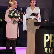 NLD/Amsterdam/20150119 - De Marie Claire Prix de la Mode awards, Jeanine Hennis-Plasschaert krijgt de Prix de la Mode Smart & Amazing Award van 2015