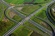 Nederland, Utrecht, Gemeente Vianen, 09-05-2013; Knooppunt Everdingen, aansluiting A27 (diagonaal vlnr) en A2 (zuiden linksboven). Gedeeltelijk turbineknooppunt. <br /> Everdingen junction between motorway A2 en A27.<br /> luchtfoto (toeslag op standard tarieven)<br /> aerial photo (additional fee required)<br /> copyright foto/photo Siebe Swart