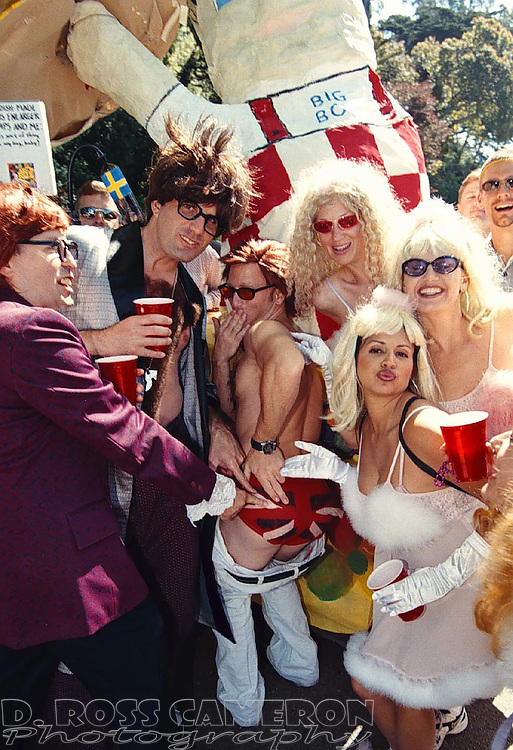 "An industrious group of San Franciscans went to the 88th running of the Bay to Breakers as characters from the film ""Austin Powers: International Man of Mystery,"" Sunday, May 16, 1999 in San Francisco. (Photo by D. Ross Cameron)"
